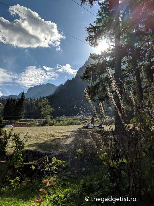Pixel 2 XL photo sun coming out of mountain