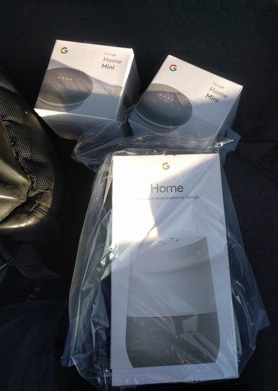 Pachet de două Google Home Mini și Google home în pungă