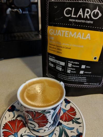 ceascuta espresso langa punga de cafea