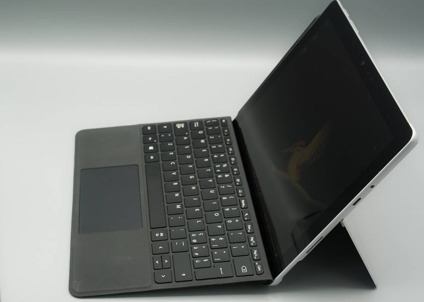 Surface go lateral