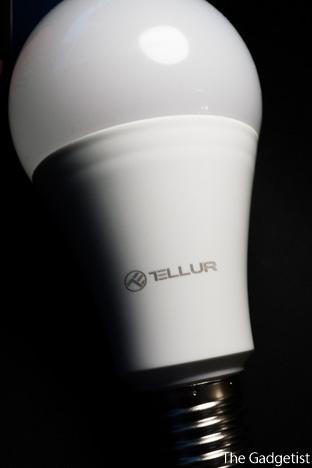 bec inteligent LED Tellur RGB fata