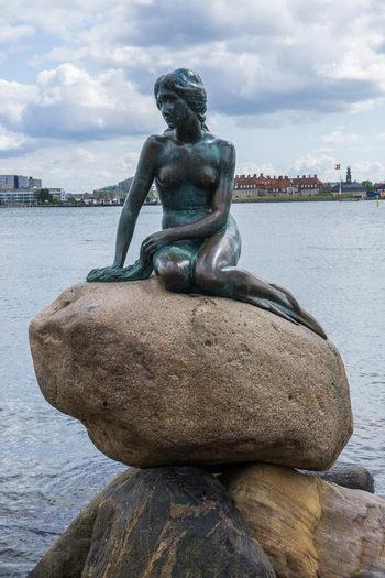 Mica sirenă din Copenhaga