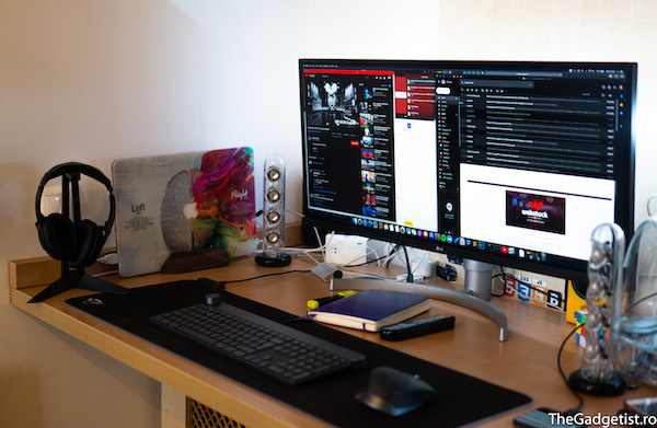 uport vertical laptop oakywood